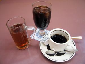 コーヒーとウーロン茶の画像